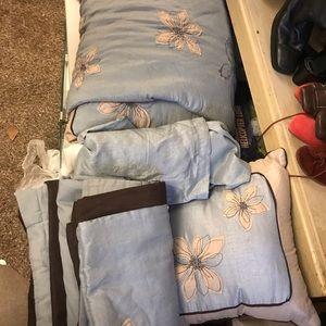 Comforter set (queen)